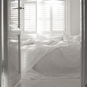 White Bedroom, Transitional, bedroom, Interior Magasinet