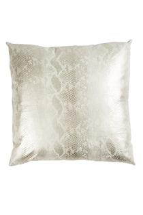 what color to paint the bathroom ivory serpent pillow i wearstler 25851