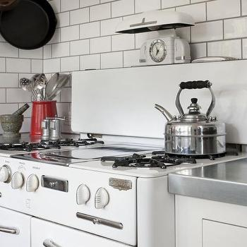 Wedgewood stove vintage kitchen mark reilly architecture for Fish scale backsplash