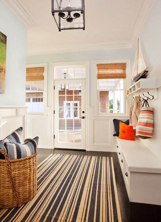 View full size - Small house entryway ideas ...
