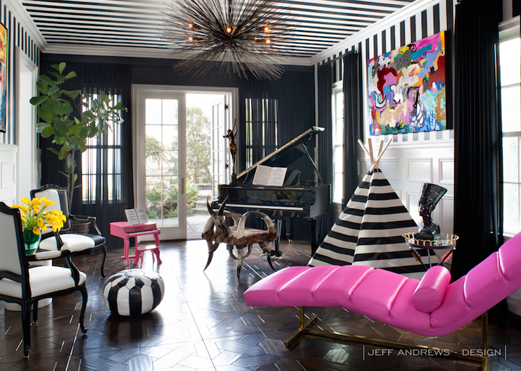 Black and white chair eclectic bedroom stephanie for Decoration maison kris jenner