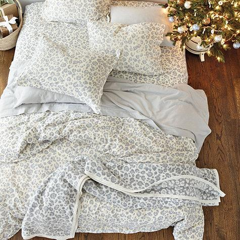 Snow Leopard Flannel Grey And White Bedding
