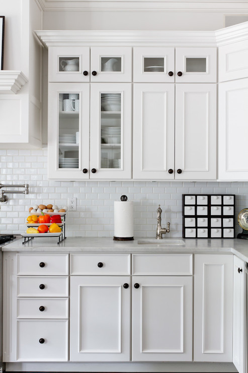 White kitchen cabinets black knobs for White kitchen cabinets black hardware