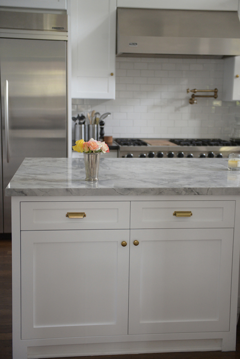 Gold Kitchen Hardware Black Countertop
