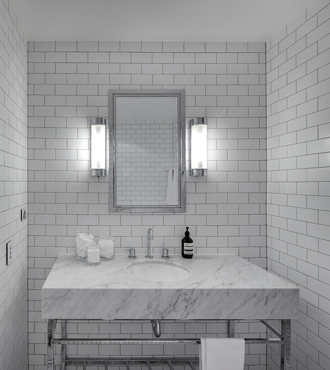 Bathroom with Subway Tiles - Modern - bathroom - Tania Handelsmann