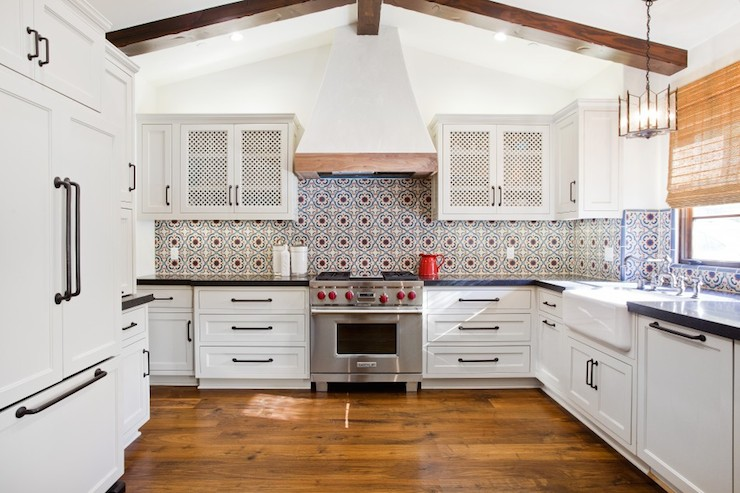 Mediterranean kitchen for Kitchen cabinets in spanish