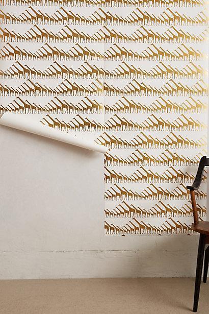 Glimmering Giraffes Gold And White Wallpaper