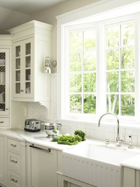 Subway Tile Above Kitchen Sink Kitchen Appliances Tips And Review