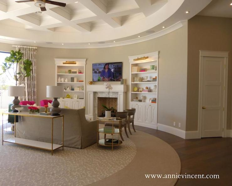 Round Living Room - Transitional - living room - Caitlin