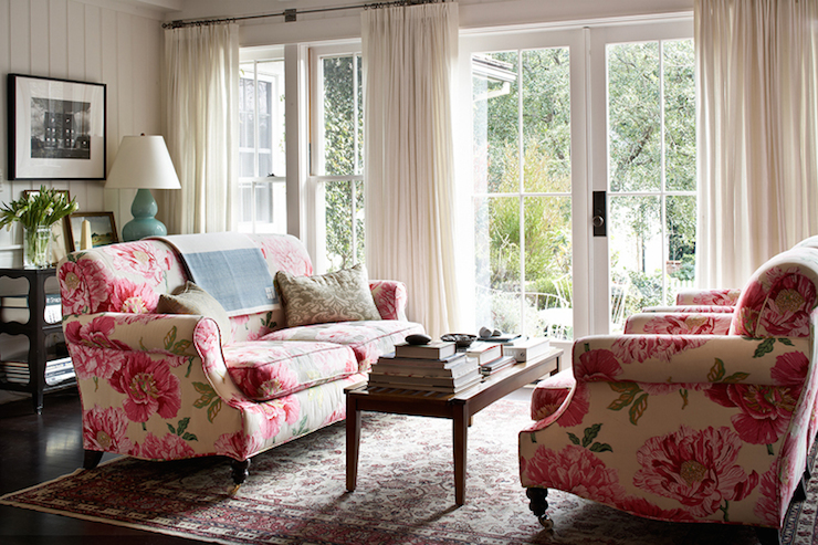 Pink and green room french living room for Chintz couch