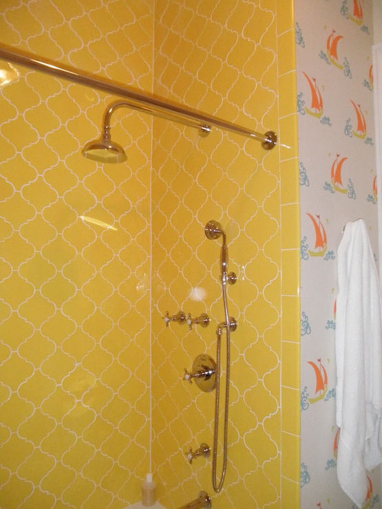 Arabesque Shower Tiles Cottage Bathroom Peppermint Bliss