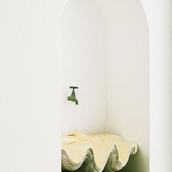 Clam Shell Sink, Mediterranean, bathroom