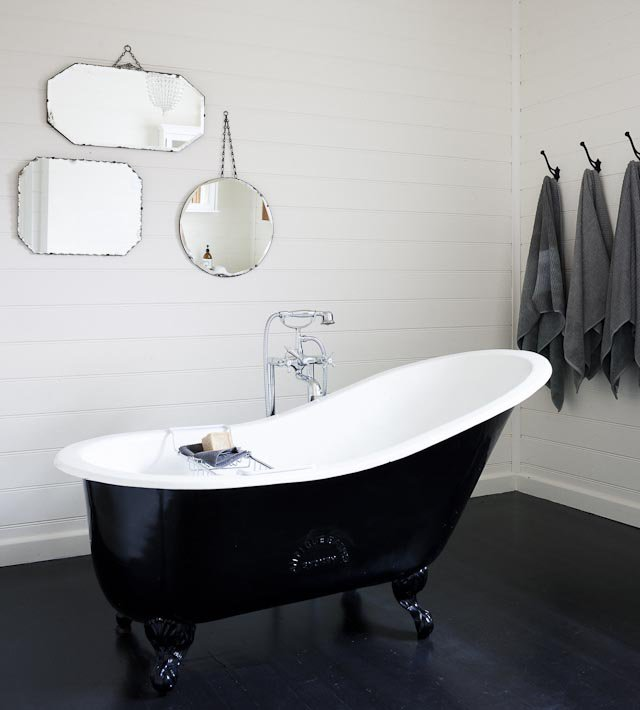 black and white clawfoot tub. black claw foot tub and white clawfoot r