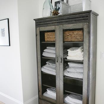 Superbe Galvanized Metal Cabinet