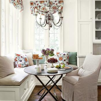 Cottage Breakfast Nook with Built In Banquette - Cottage - Dining Room