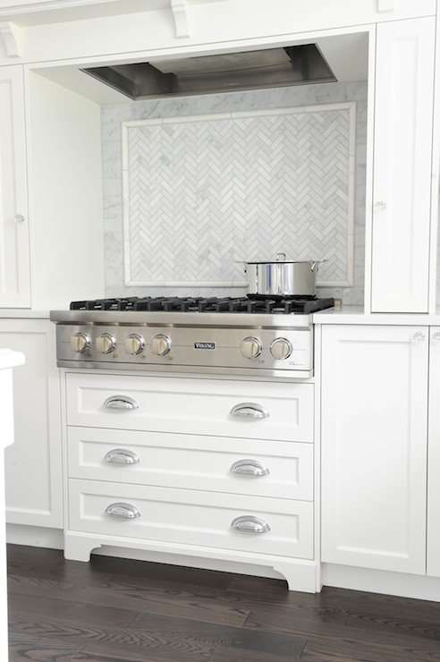 Windows Either Side Of Stove Top Design Ideas