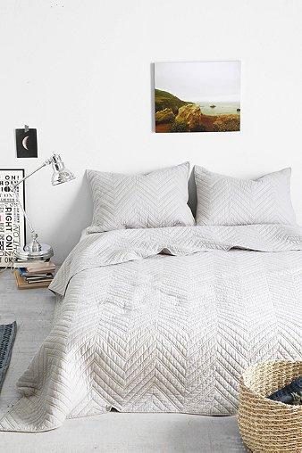 4040 Locust Grey Chevron Quilt