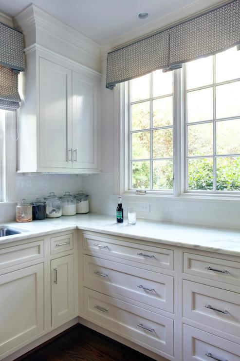 Kitchen Cabinet Crown Molding Design Ideas