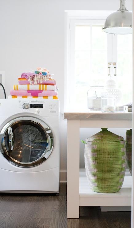 Laundry Folding Counter Design Ideas