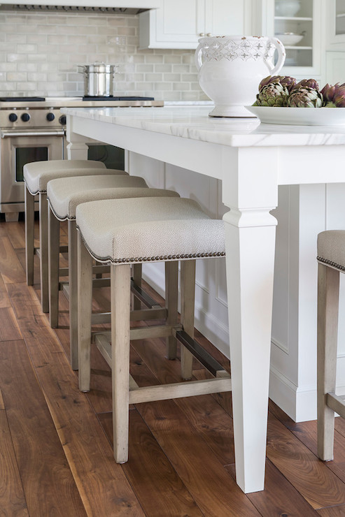 Kitchen island size for 4 stools - View More Kitchens 187