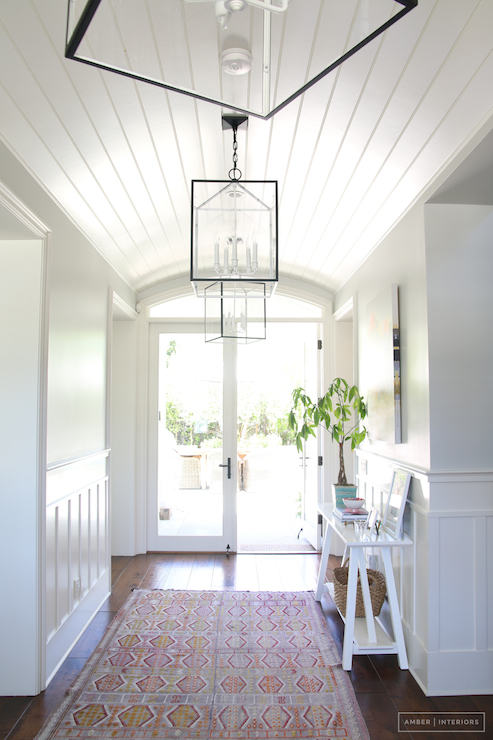 Iron Lanterns Flanking Entry Design Ideas