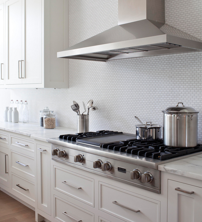 Transitional Kitchens With White Cabinets: White Shaker Kitchen Cabinets With Bronze Knobs And Pulls