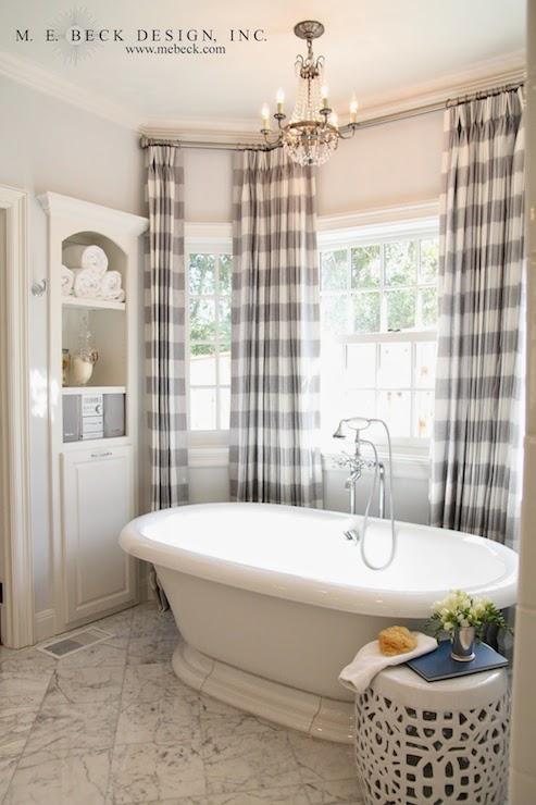 Interior design inspiration photos by m e beck design for Bay window bathroom ideas