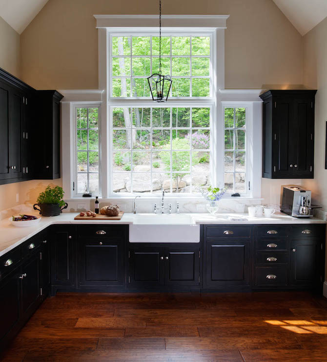 Farmhouse Kitchen With Dark Cabinets: Kitchens Cathedral Ceilings Design Ideas