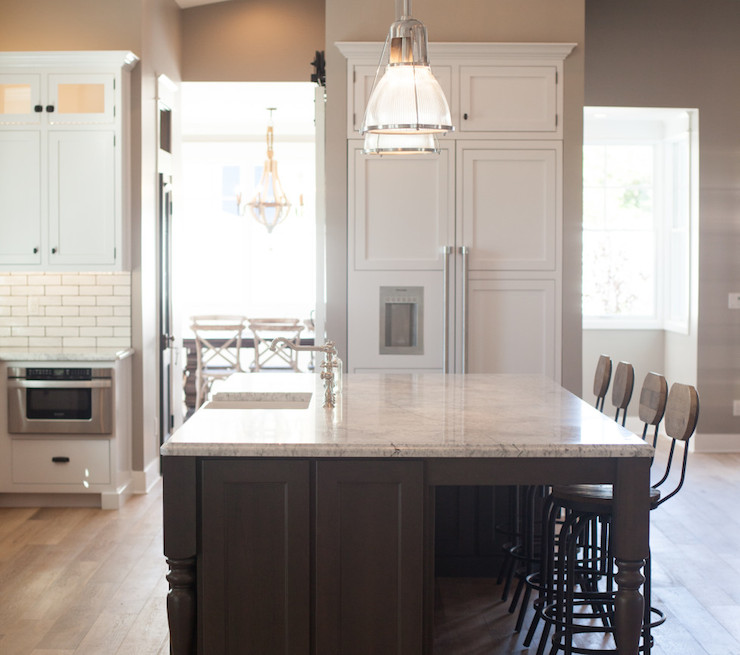 Kitchen Remodel Ventura: Extra Long Kitchen Island With Gray Barstools