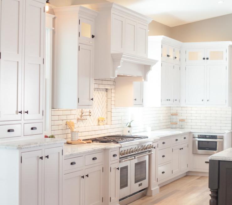 Kitchen Remodel Ventura: Cooktop Niche Design Ideas