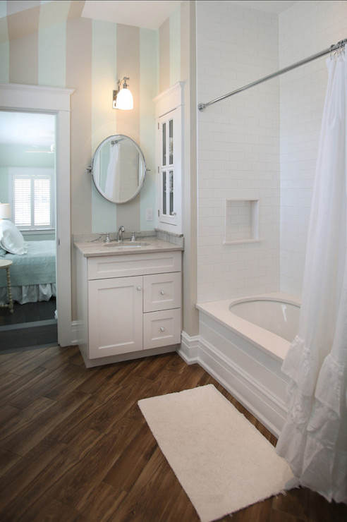 Striped Bathroom Walls Cottage Bathroom Beach