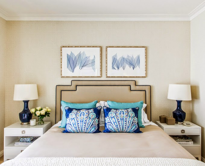 Navy And Gold Bedside Lamps: Navy Textured Wallpaper Design Ideas