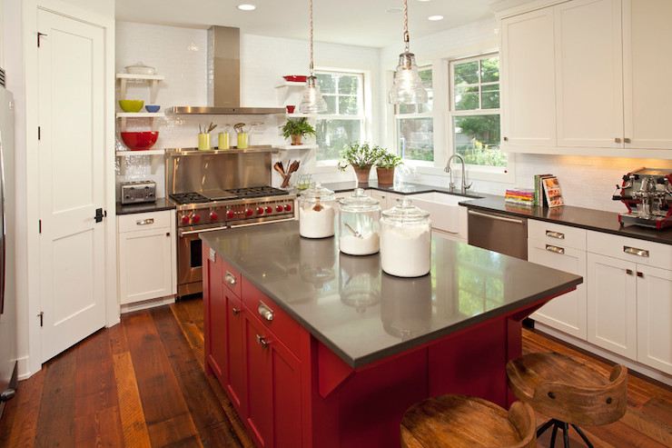 Red kitchen island transitional kitchen benjamin for Decor cuisine simple