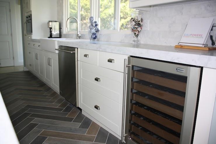 Herringbone slate floor design ideas for Slate kitchen floors with white cabinets