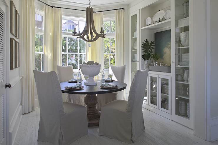 Bay Window Dining Table View Full Size