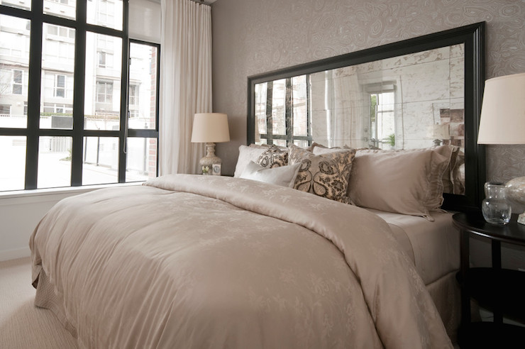 Mirrored Headboard Design Ideas
