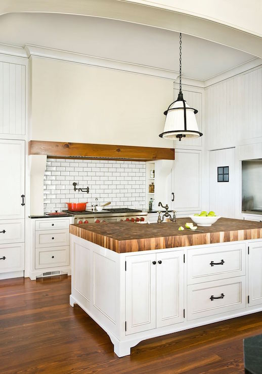 Beadboard Center Island Transitional Kitchen Huryn