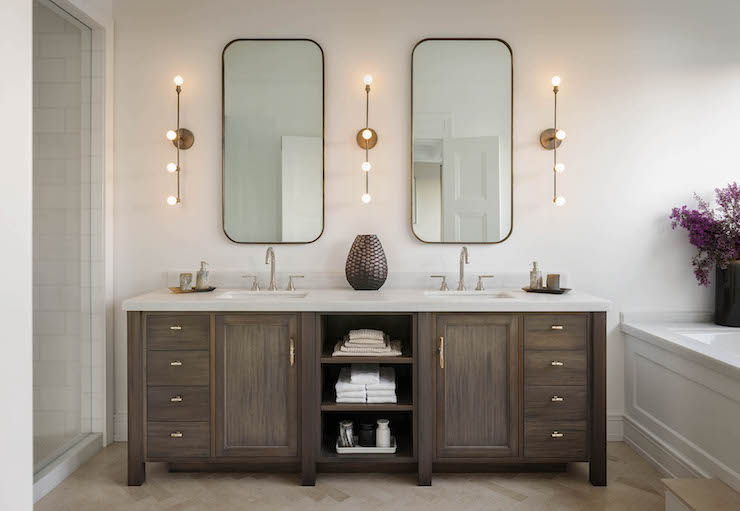 Merveilleux Double Vanity With Center Shelves