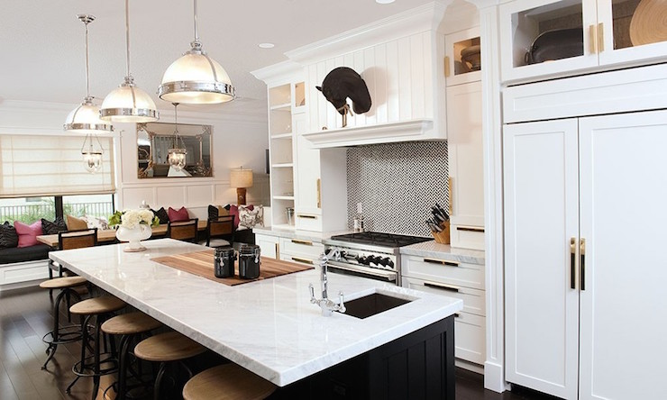 White Kitchen Cabinets With Brass Pulls
