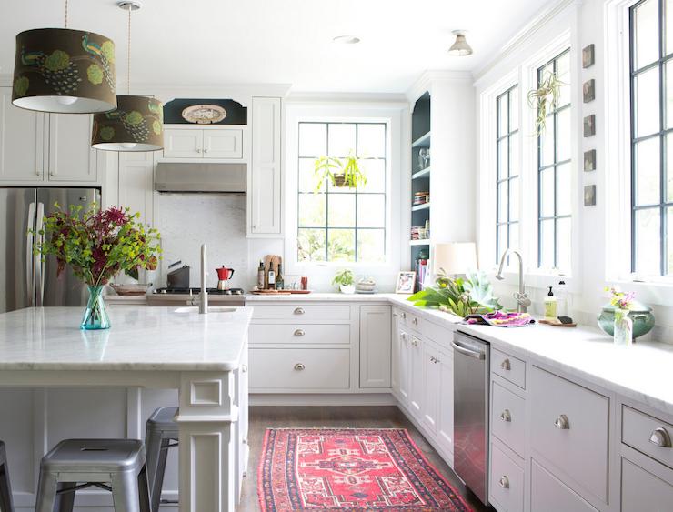 Wonderful Kitchen With Pink Rug