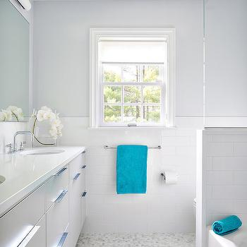 Shower pony walls design ideas for Gray and turquoise bathroom