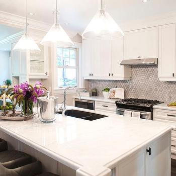 Marble Arabesque Backsplash Design Ideas