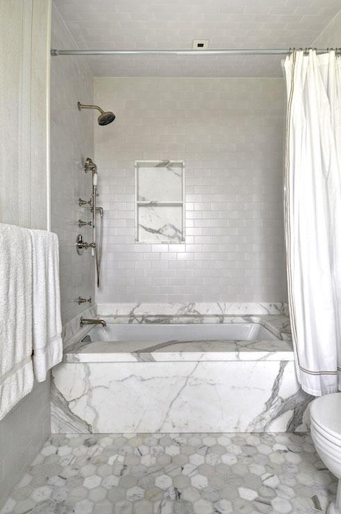 Vintage Tiled Drop Tub with Shower Niche - Vintage - Bathroom