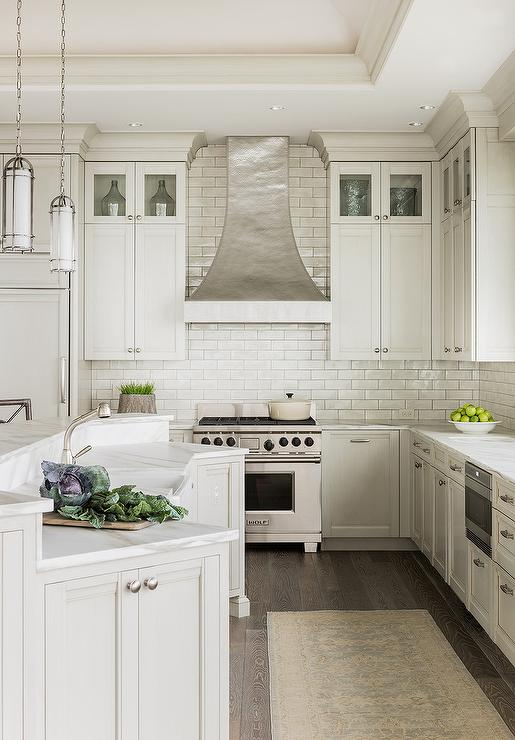 Curved breakfast bar design ideas for Ivory kitchen ideas