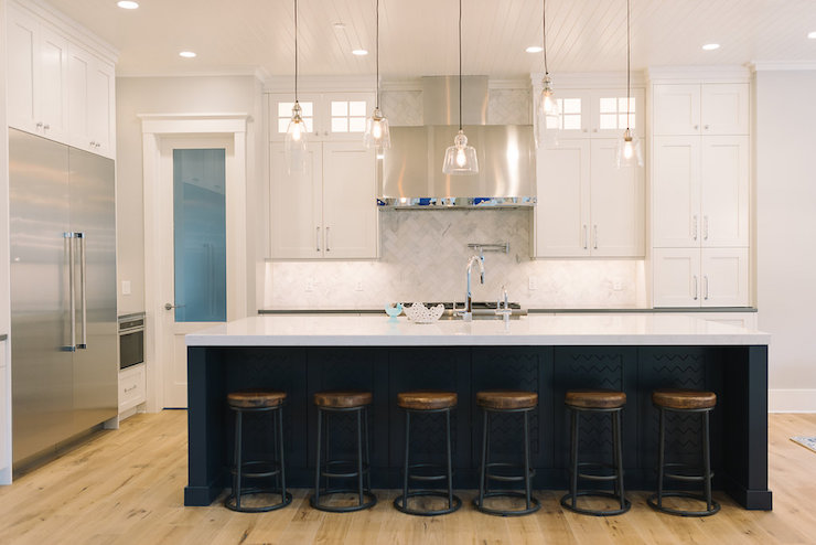 Mismatched Island Pendants Transitional Kitchen