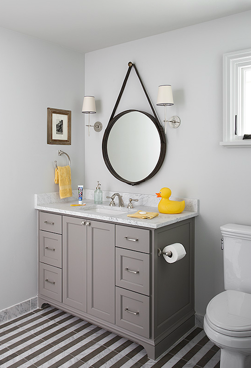 Yellow grey bathroom decor best home decor for Bathroom decor yellow and gray