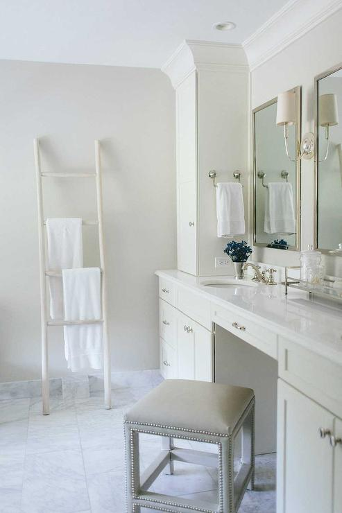 Bon Master Bathroom With Towel Ladder