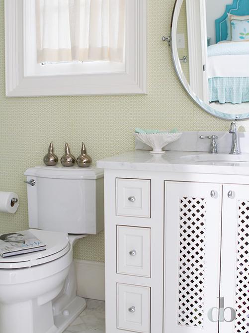 Lattice wallpaper contemporary bathroom for Bathroom wallpaper next