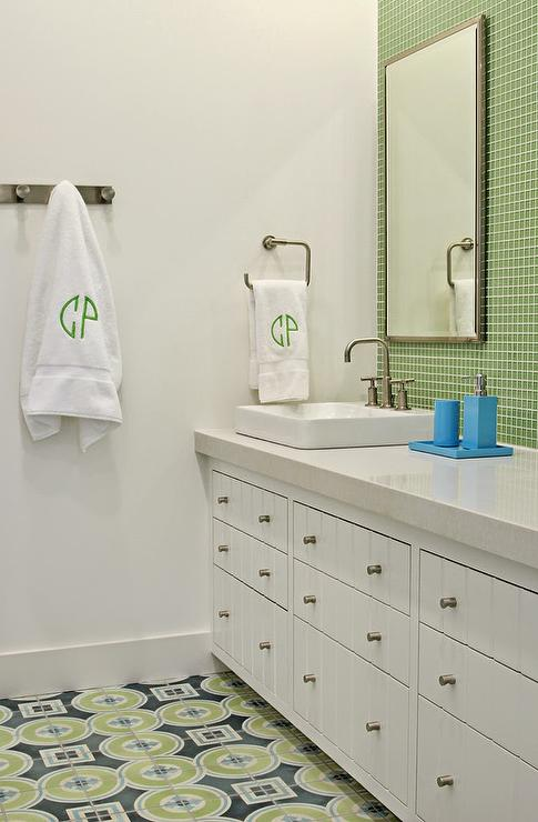 Green and blue bathroom blue and green kids bathrooms for Blue green bathroom ideas