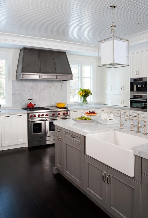 Island With Farmhouse Sink Transitional Kitchen